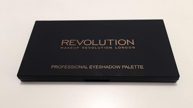makeup revolution new-trals vs neutrals palette exterior